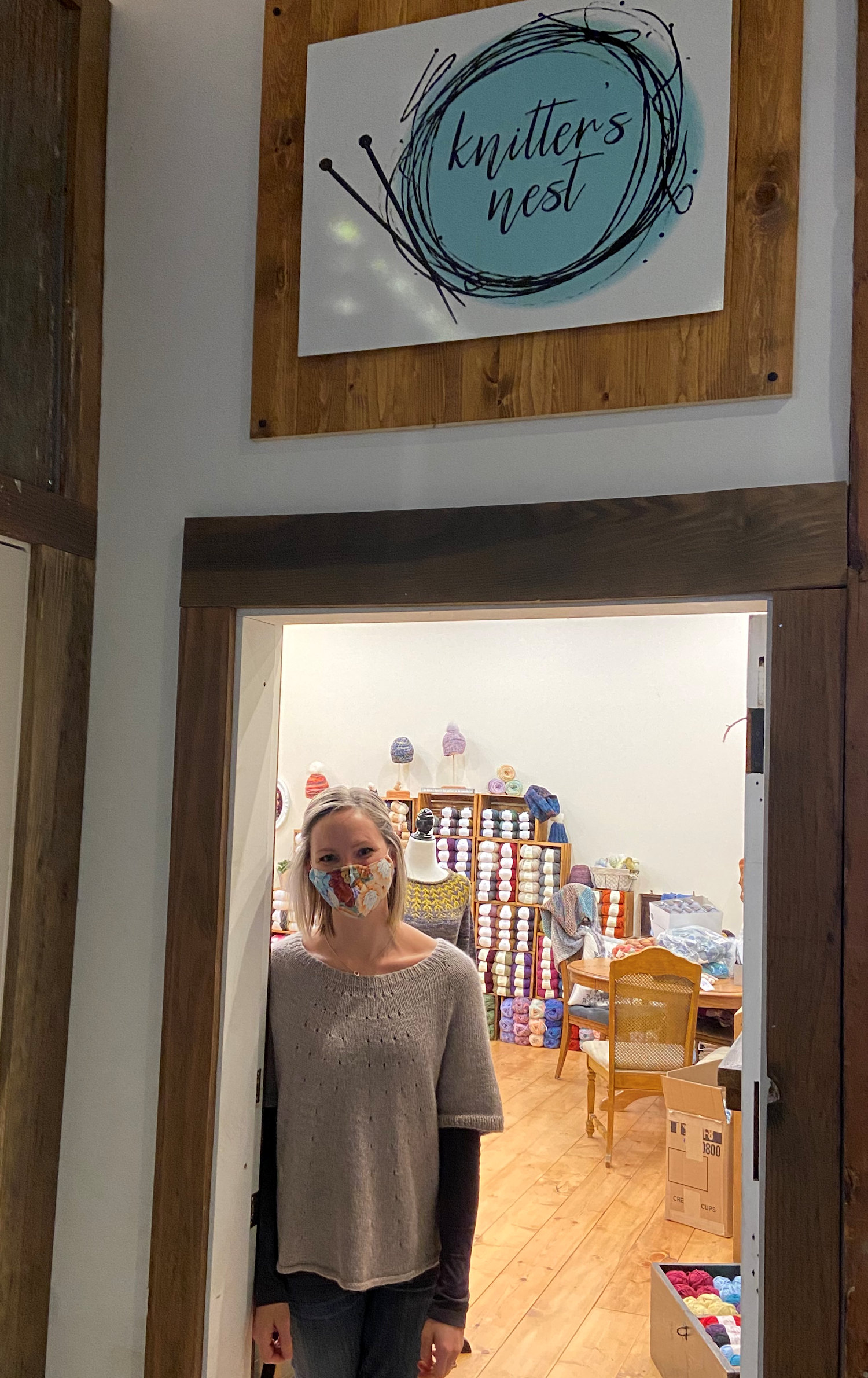Amanda Hasler welcomes everyone to The Knitter's Nest